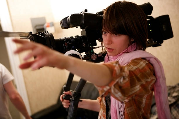 directing the shot - film director stock pictures, royalty-free photos & images