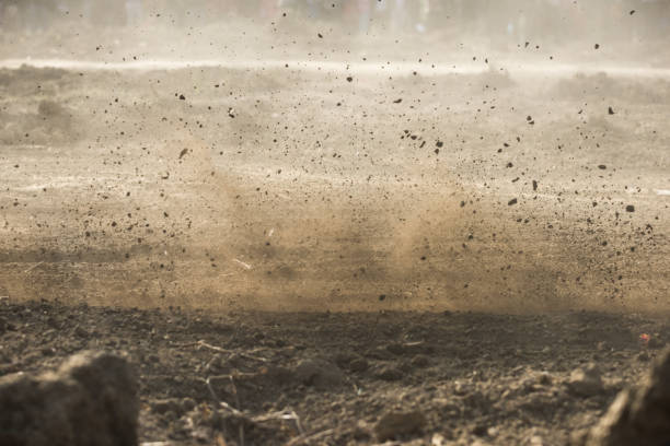 Schmutz, fliegen nach Motocross brüllend durch – Foto
