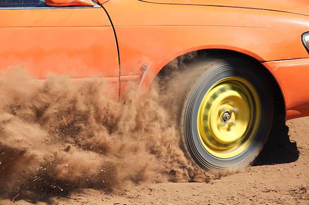 schotterstrecke - rally stock-fotos und bilder