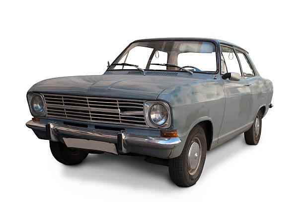 dirty classic car - slechte staat stockfoto's en -beelden