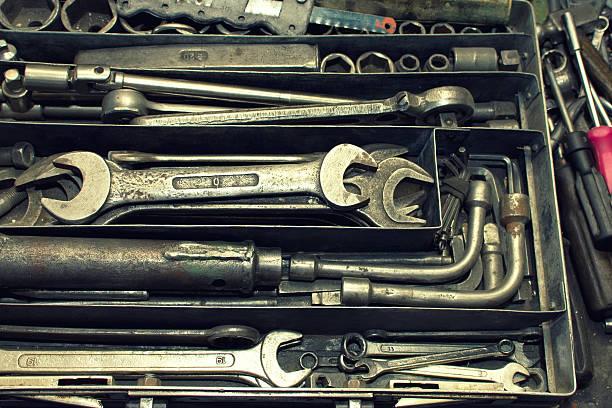 dirty satz von hand-tools - waldhandwerk stock-fotos und bilder