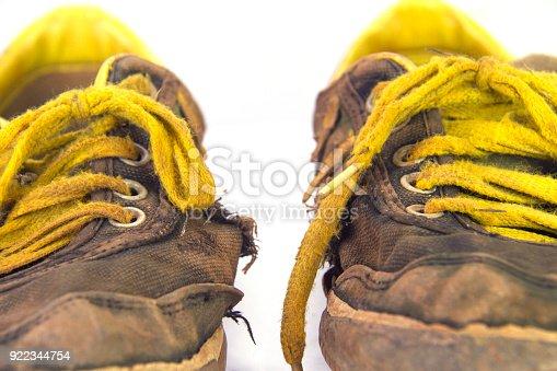 bd821a120e785d Sneaks Isoliert Auf Weißem Hintergrund Schuhe Für Outdooraktivitäten  Stockfoto und mehr Bilder von Alt - iStock