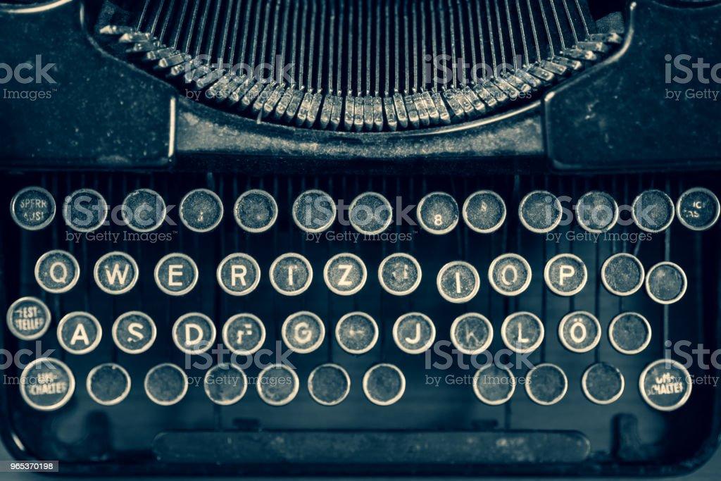 Dirty vintage typewriter keyboard zbiór zdjęć royalty-free