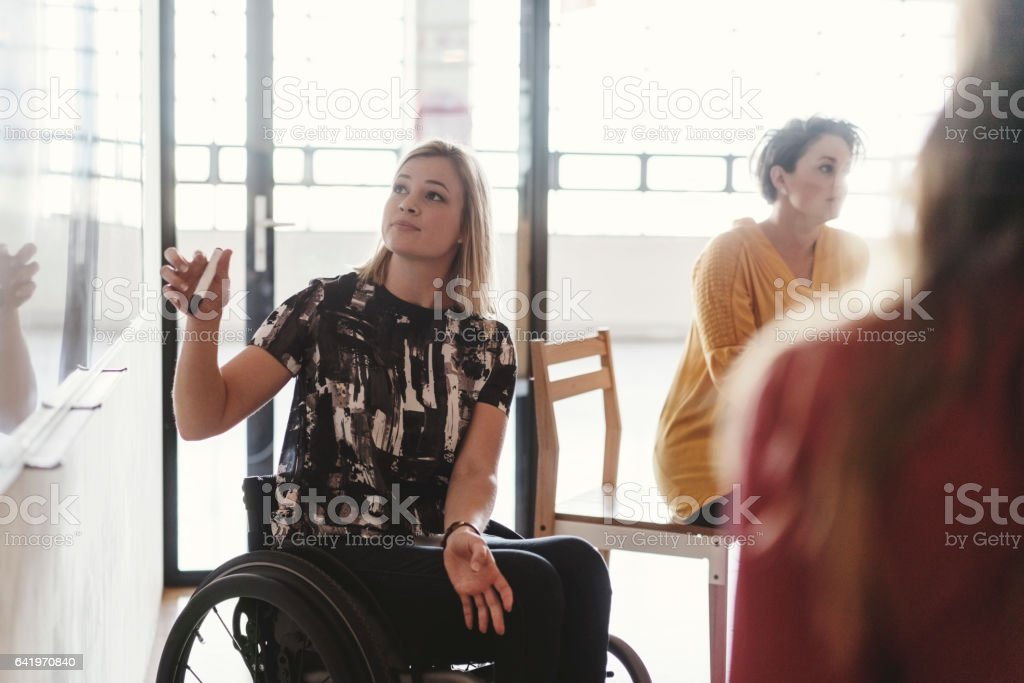 Deaktivierte Geschäftsfrau, Vortrag – Foto