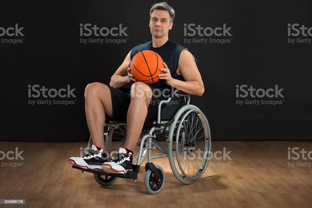 Jugador con discapacidades con acceso para silla de ruedas. - foto de stock