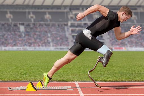 Corredor Bloque De Inicio Para Personas Con Discapacidades Foto de stock y más banco de imágenes de 2015