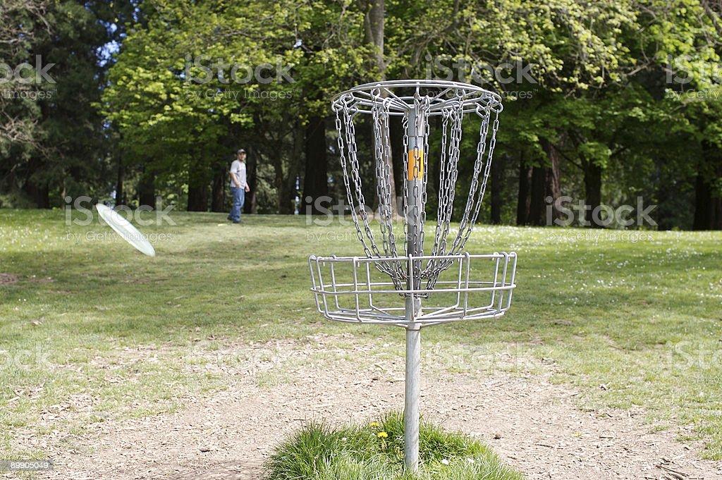 Диск фрисби гольф цели, на открытом воздухе, одного человека Стоковые фото Стоковая фотография