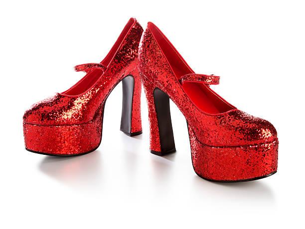 disco glitzernde rote high heels - glitzer absätze stock-fotos und bilder