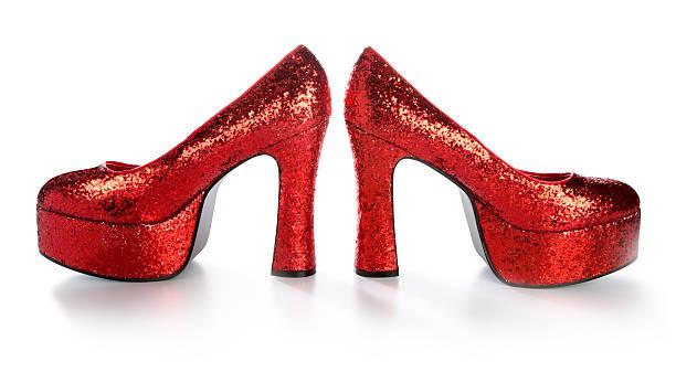 disco glitzernde rote high heels - coole halloween kostüme stock-fotos und bilder