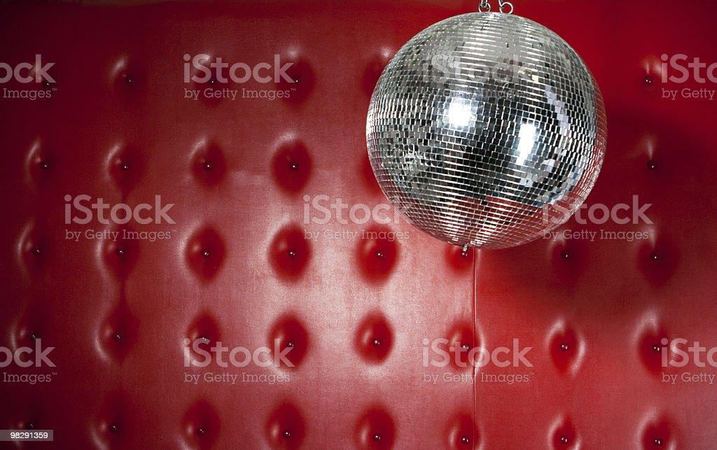 Discoball su sfondo rosso foto stock royalty-free