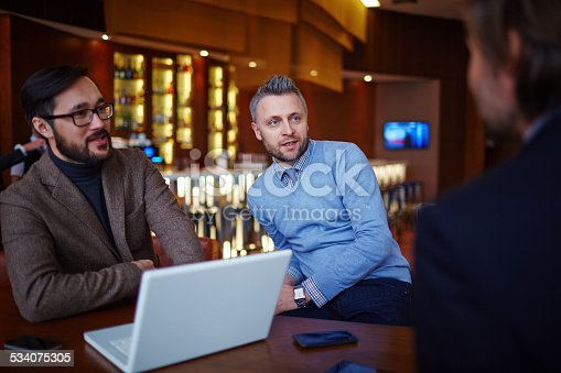 istock Discussing new project 534075305