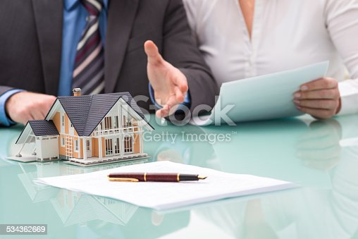 istock Discussion with a real estate agent 534362669