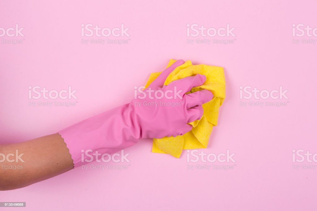 Geschirrspülmittel Handschuhe und gelb Reinigung Lappen isoliert auf weißem Hintergrund – Foto