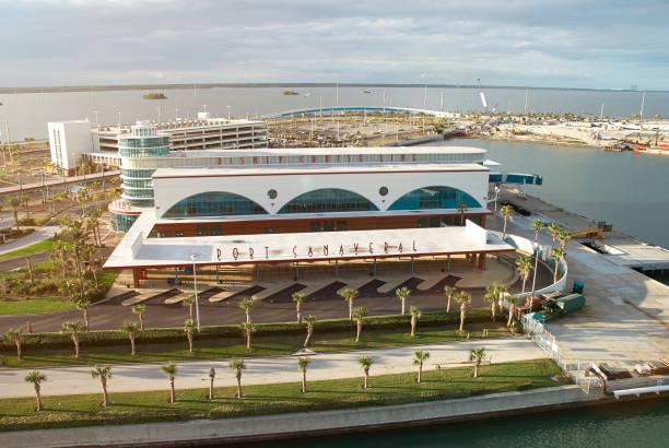 Disney cruise line terminal port picture id649804266?b=1&k=6&m=649804266&s=612x612&w=0&h=trdcgxq3mhgy3x6lpajzph a0 wfp5cmyyuhosgtqbw=