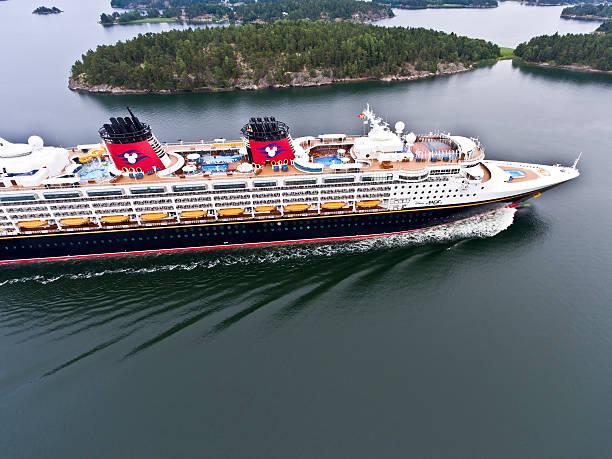 Disney magic cruise ship picture id590157538?b=1&k=6&m=590157538&s=612x612&w=0&h=lqpel1uphhs9zlbfk2tiqoui1cmjoqiive0xc nod44=