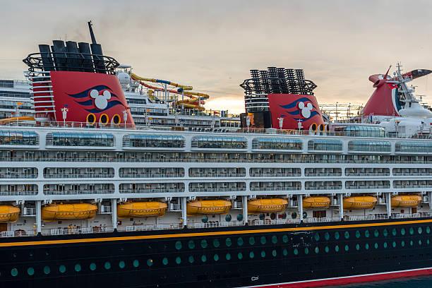 Disney wonder cruise ship picture id539354664?b=1&k=6&m=539354664&s=612x612&w=0&h=mp ifi0okfd2lyykpo akyfkhfryjgslinllto0qz5k=