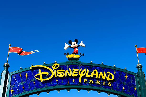 Disneyland paris picture id498795424?b=1&k=6&m=498795424&s=612x612&w=0&h= u2vkywnrfosljt19nlqbkurflyevkmfpz3hahkb8ks=