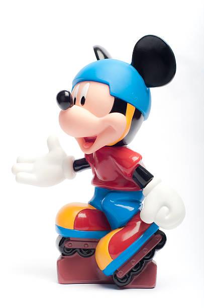 Disneys mickey mouse picture id458712047?b=1&k=6&m=458712047&s=612x612&w=0&h=gxtief99n4mwbqe6cl1vcdq1nfdyxsxxstrlkuxvadi=
