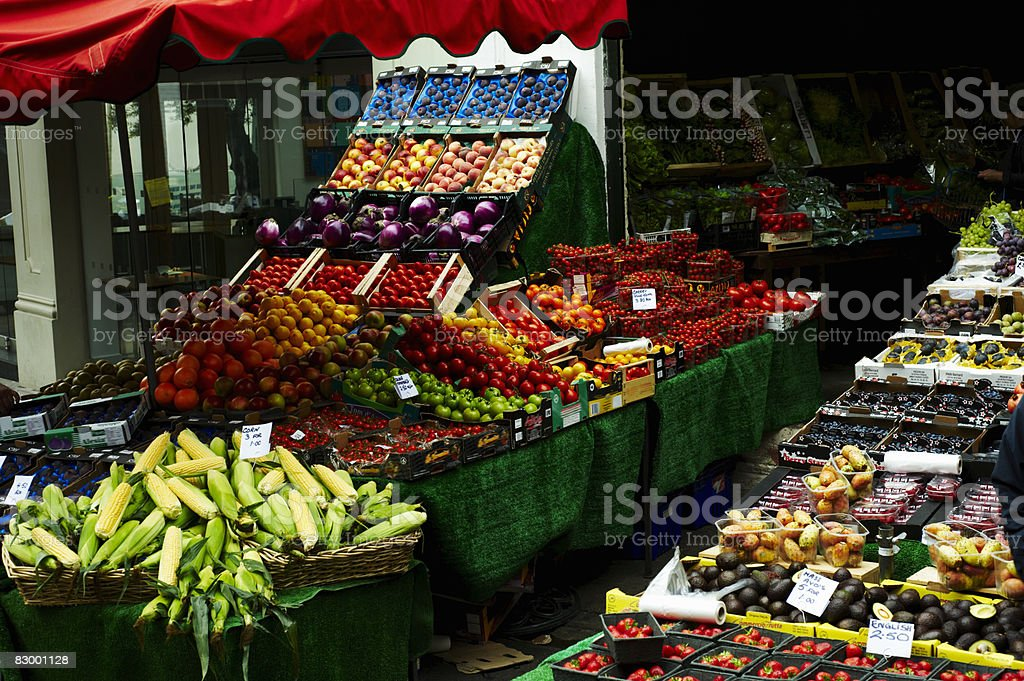 Display of fresh fruit and vegetables royalty free stockfoto