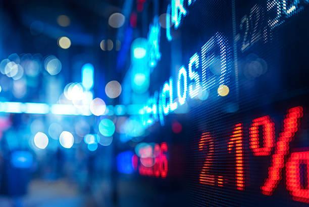 anzeige lager markt zahlen und grafik - hang seng index stock-fotos und bilder