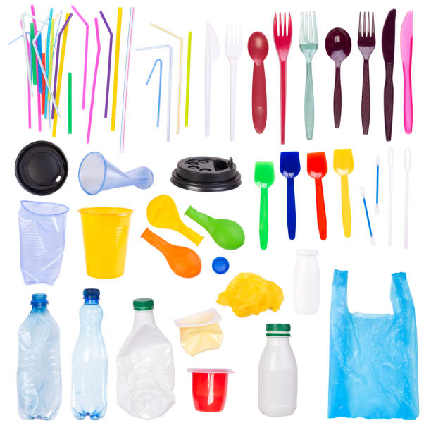 Disposable single-use plastic objects such as bottles, cups, forks, spoons and drinking straws that cause pollution of the environment Disposable single-use plastic objects such as bottles, cups, forks, spoons and drinking straws that cause pollution of the environment, especially oceans. Isolated on white background plastic pollution stock pictures, royalty-free photos & images