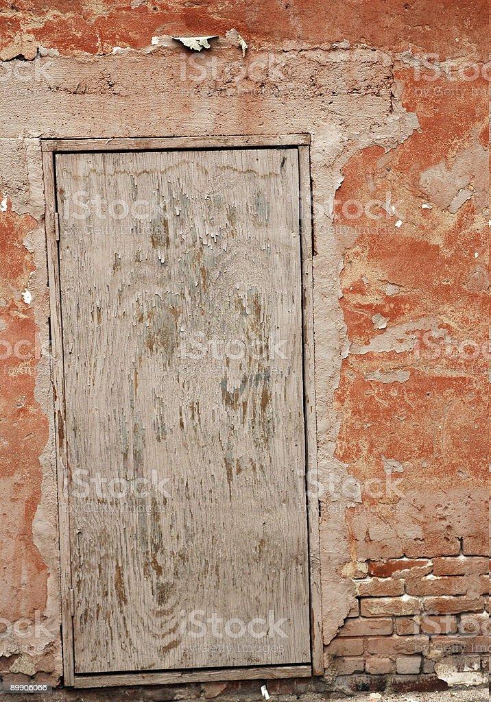 Старые двери с эффектом поношенности Стоковые фото Стоковая фотография