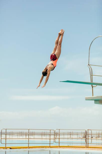mergulho do mergulhador na associação - mergulho - fotografias e filmes do acervo