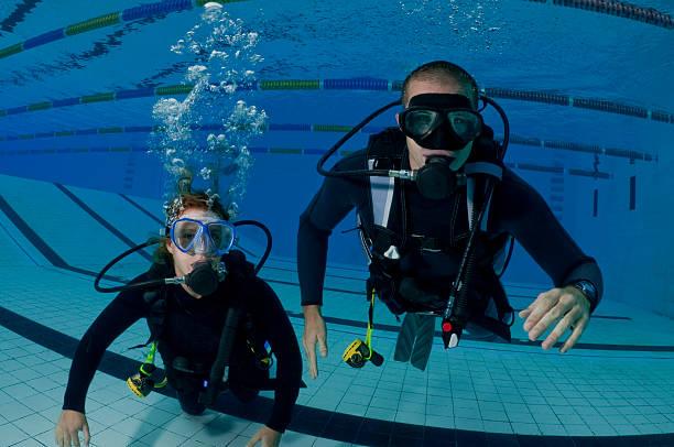 Les plongeurs pendant l'entraînement - Photo
