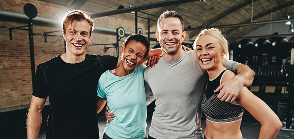 Friends vid clip adult gym workout