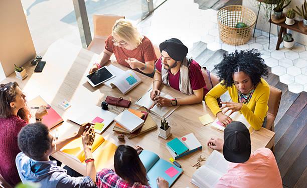 人々の多様なグループの協力コンセプト - 学生生活 ストックフォトと画像