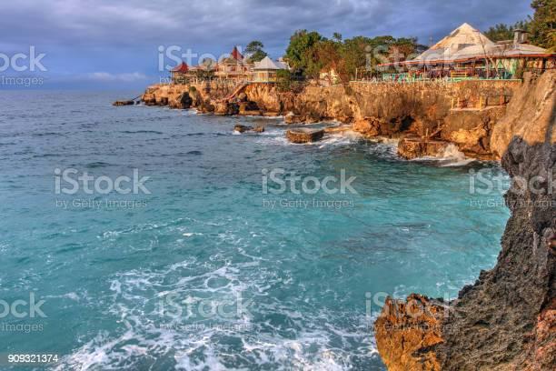 Dives negril jamaica picture id909321374?b=1&k=6&m=909321374&s=612x612&h=3rasc65kc6eyp4iua09pleompbuqvdg0owu0ocn y54=