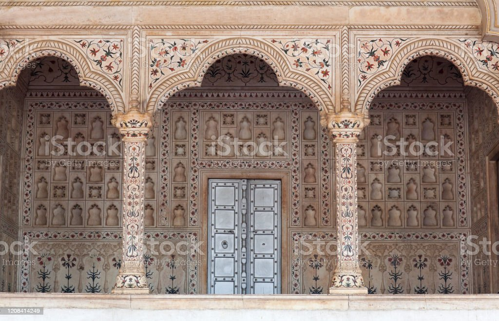 Diwan-i-Am, Hall of Public Audience in Red Fort, Agra, India Diwan-i-Am, or Hall of Public Audience in Red Fort of Agra.  It was the main residence of the emperors of the Mughal Dynasty until 1638, when the capital was shifted from Agra to Delhi. Agra Stock Photo