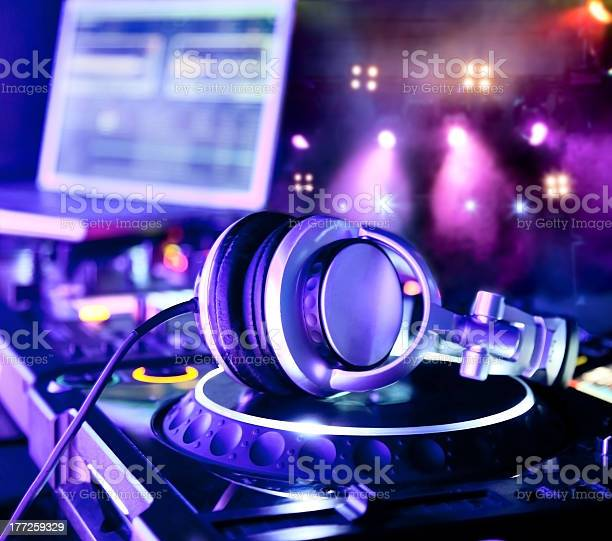 Dj mixer with headphones picture id177259329?b=1&k=6&m=177259329&s=612x612&h=a5jouqgdo facfmabsa ajy3tbfv7nh4ppmhkdl6oji=