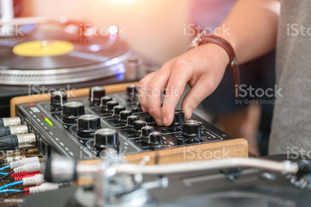 Fotografía de Dj Jugar Música En La Fiesta De Hiphop Tornamesa ...