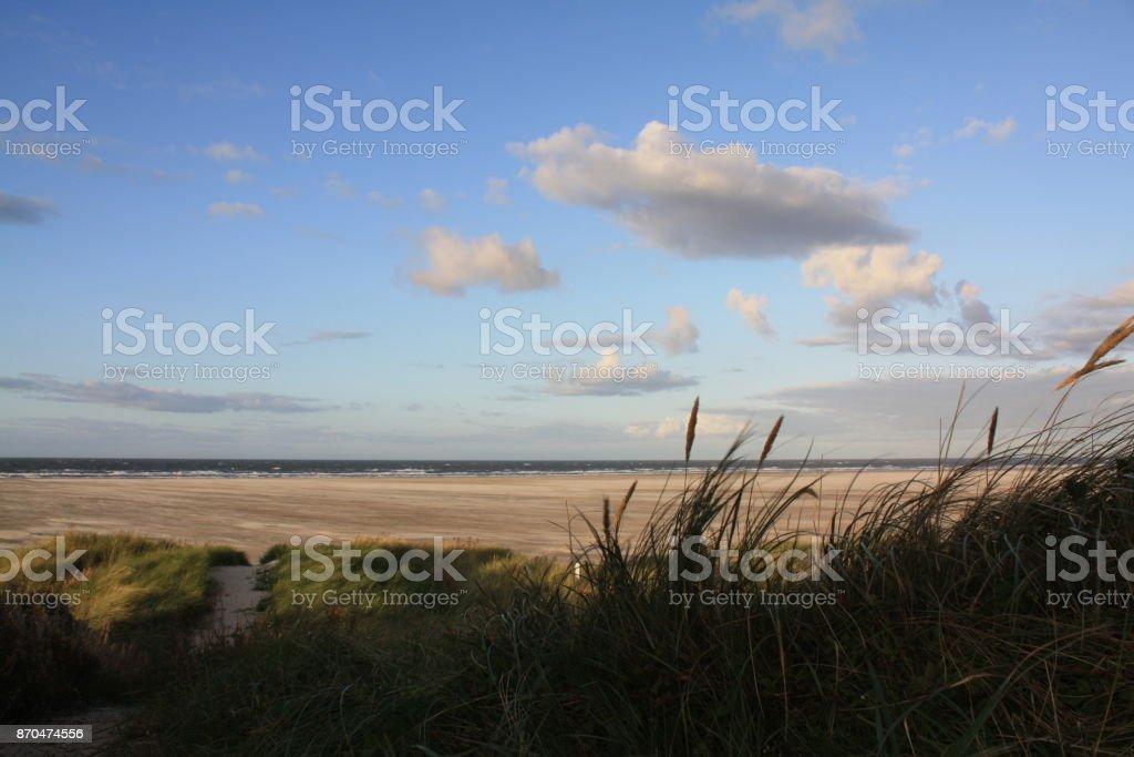 Dünenübergang zum Strand stock photo