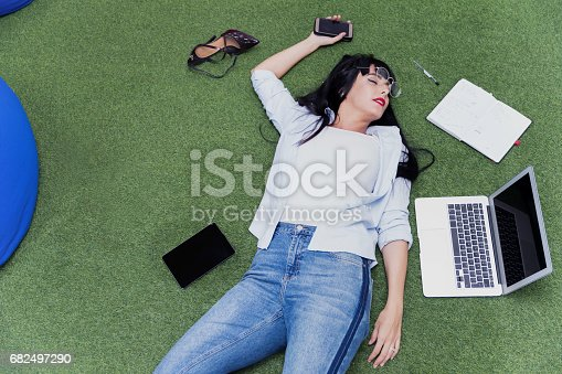 istock Do you really think its easy to cope-up with current work pressure? 682497290