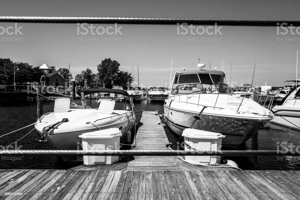 Angedockte Schnellboote - Lizenzfrei Anlegestelle Stock-Foto