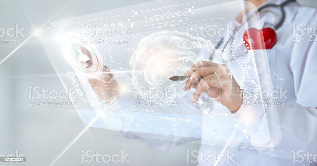 Arzt Die Überprüfung Des Gehirns Testergebnis Mit Computerinterface ...