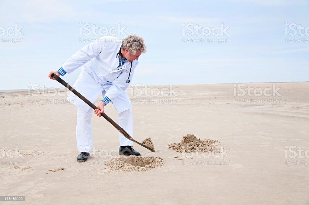 Arzt Graben Loch mit Schaufel – Foto