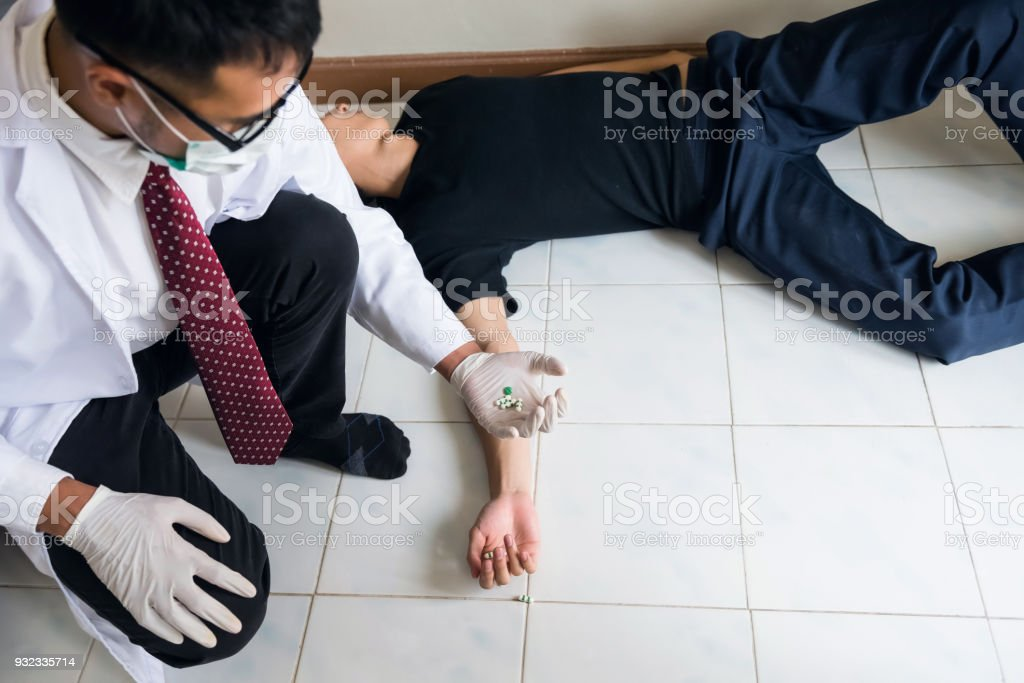 Arzt Hand sammeln Selbstmord Drogen – Foto