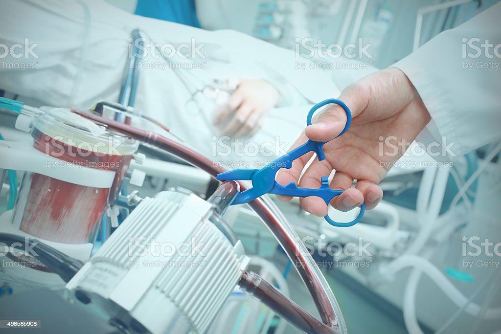 Arzt einen Patienten schaden im Krankenhaus – Foto