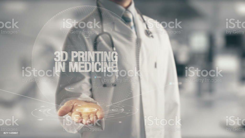 Médico sosteniendo en mano 3D impresión en medicina - foto de stock