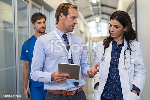 istock Doctor in a conversation with specialist 1189303763