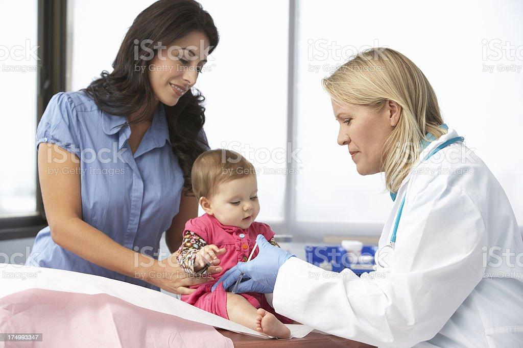 Médico em Cirurgia - foto de acervo
