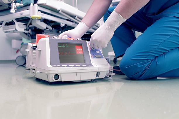 Doctor rescues patient in cardiac arrest foto