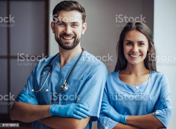 Doctor veterinarian at clinic picture id879798910?b=1&k=6&m=879798910&s=612x612&h=clabkikl7monxvm8nzhtqwwifl1prjh eeb rs0jh s=
