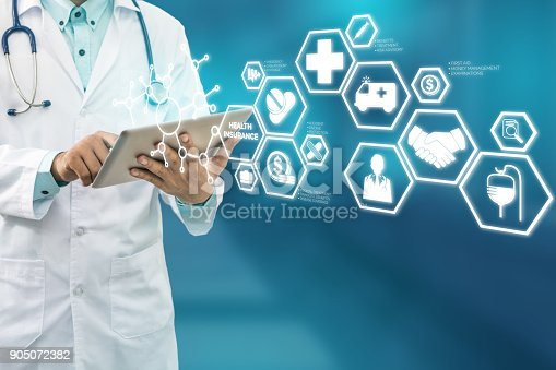 istock Doctor with Health Insurance Modern Interface Icon 905072382