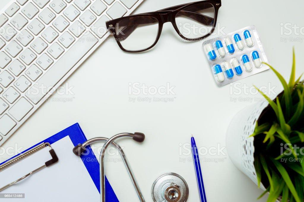 醫生工作室用聽診器 - 免版稅俄羅斯圖庫照片