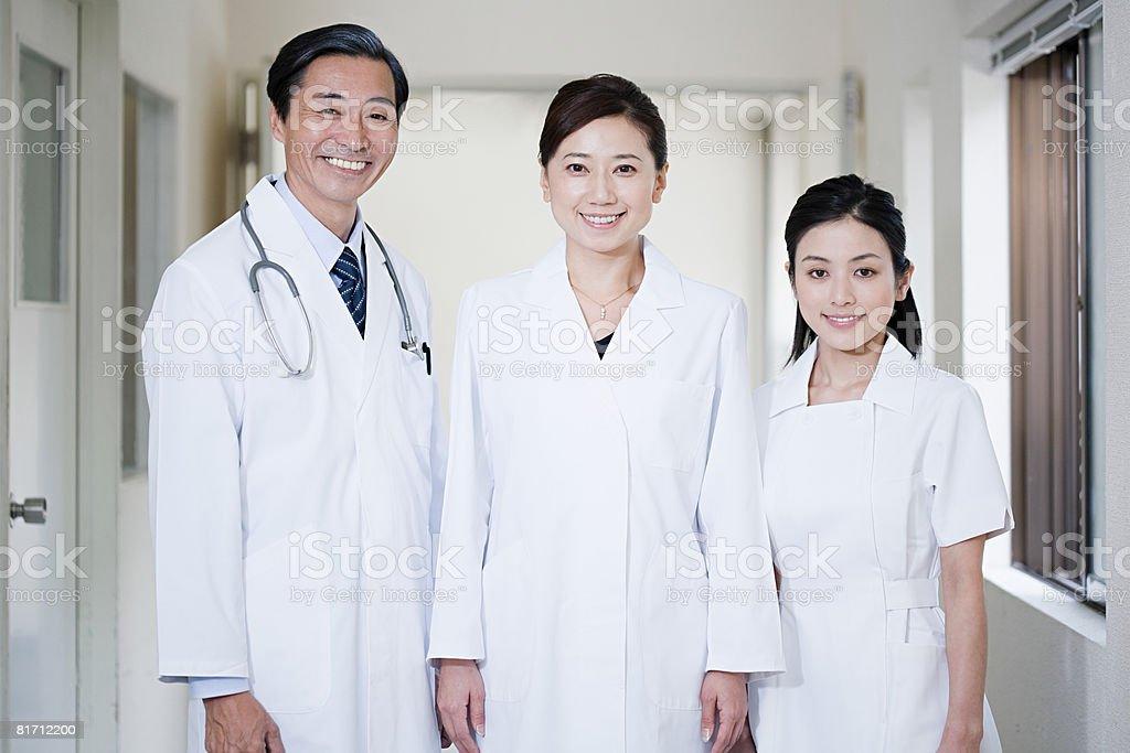 医師や看護師 - 3人のロイヤリティフリーストックフォト