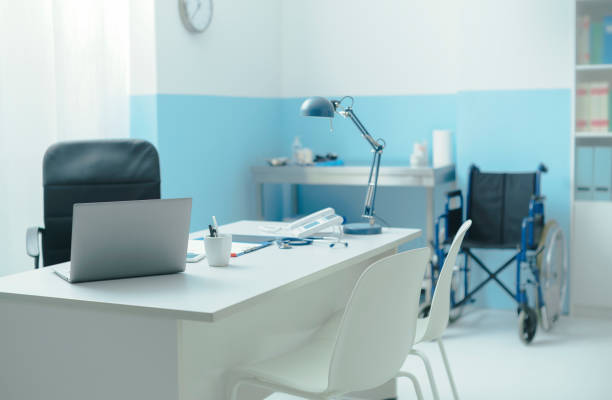 Doctor's office with medical equipment Professional doctor's office interior with medical equipment, medicine and healthcare concept doctors office stock pictures, royalty-free photos & images